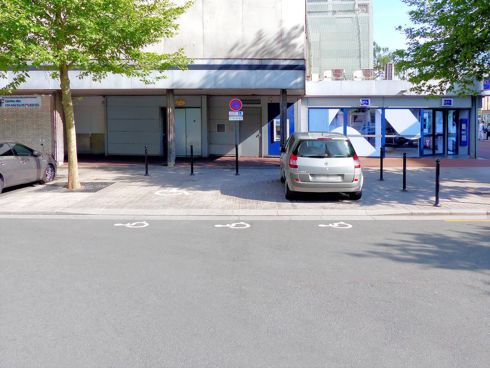 Parking de la Résistance, Tourcoing Centre - 2 places Handicapés