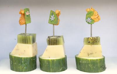 Komkommer, kaas en kiwi