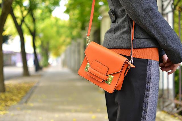 SPOMEŇ SI, ZVLÁDNEŠ TO!_Katharine-fashion is beautiful_Sivé vlnené nohavice_Oranžový rolák_Katarína Jakubčová_Fashion blogger