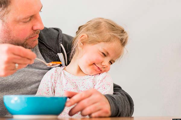 77111f4b7 مدوّنة عصافير: ما يجب معرفته عن أكل الأطفال لطعامهم!