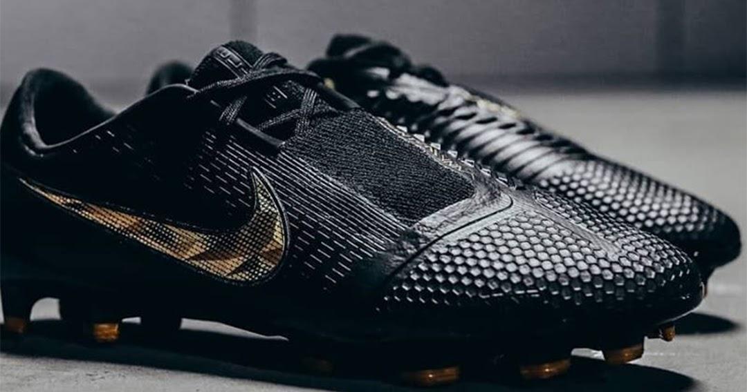 81e3f788bb9b1  Black Lux  Nike Phantom Venom Elite 2019 Boots Released - Footy Headlines