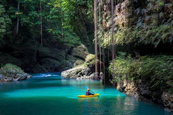 Rental ELF green Canyon Dari Jakarta