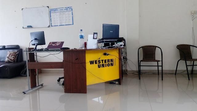 http://www.diaryanakampung.com/2017/01/cerita-awal-tahun-satu-kantor-dua.html