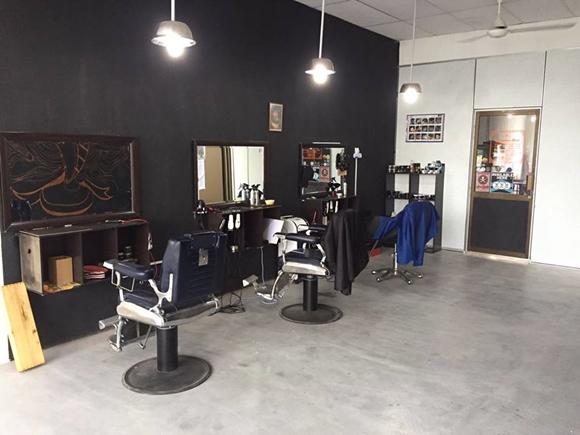 Kedai Gunting Rambut Ala Hipster Algebra Barbershop Parit Buntar Perak