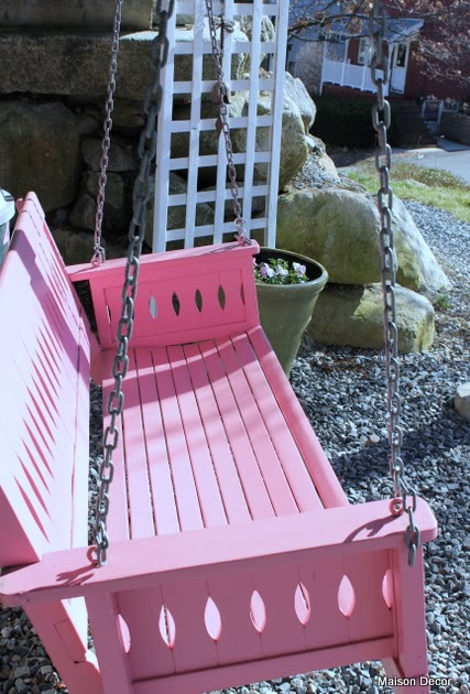Maison decor porch painted pink pansies pink swing - How warm does it have to be to paint outside ...