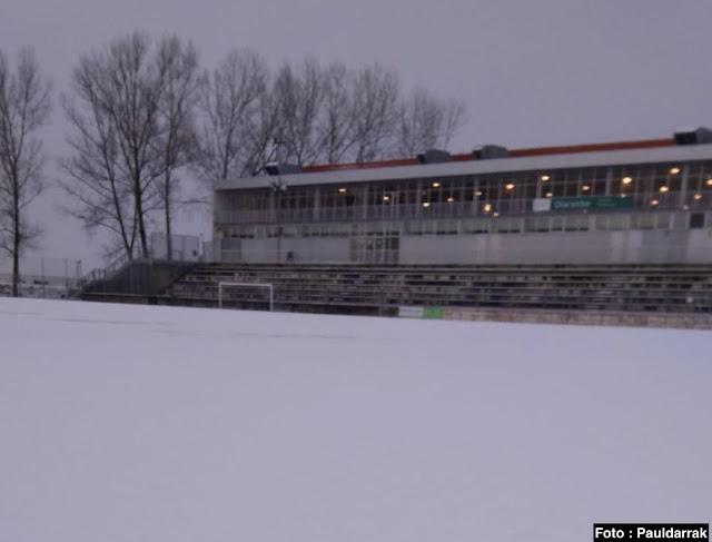 campo de fútbol de Olaranbe con nieve