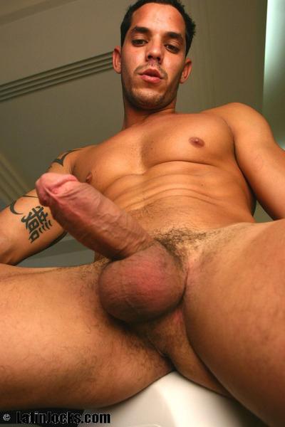 Hombres latinos calientes