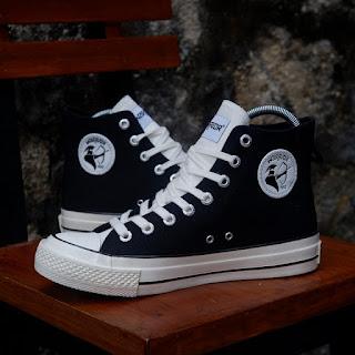 Sepatu Warrior Poseidon