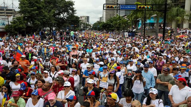 11 millones de venezolanos apoyan Consulta Popular: 9 millones dispuestos a votar este #16Jul (DatinCorp)