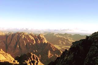 صور جديده من أعلى جبل موسى سانت كاترين