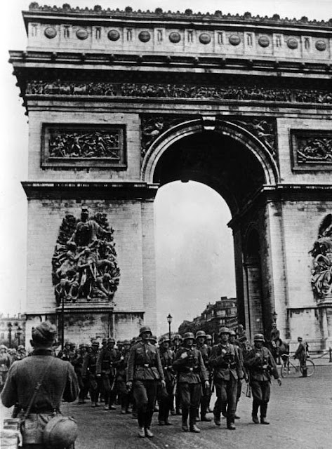 14 June 1940 worldwartwo.filminspector.com Paris Wehrmacht victory march occupation