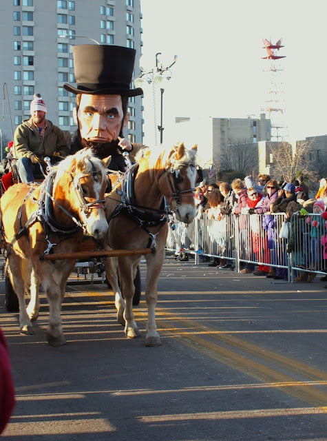 Abraham Lincoln visits Stroll on State