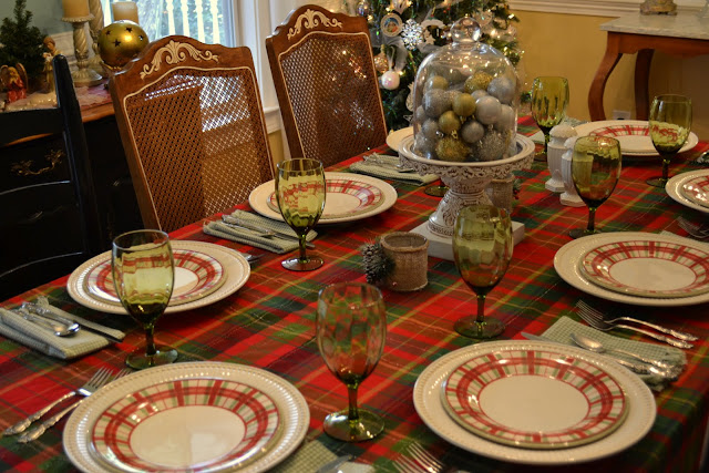 The Decorative Dreamer Christmas Day Tablescapes