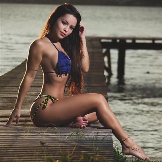 Fitness Model Bianca Anchieta photos