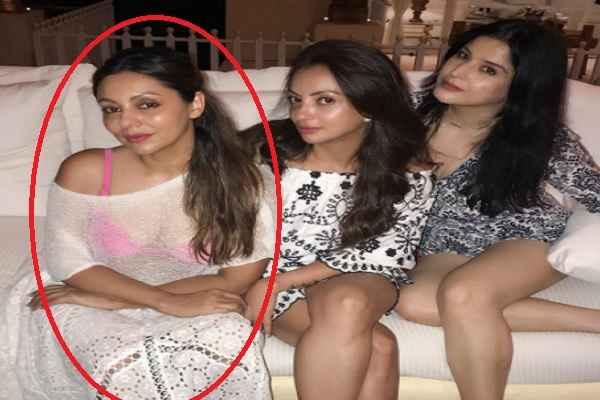 shahrukh-khan-wife-gauri-khan-trolled-for-bearing-transparent-dress
