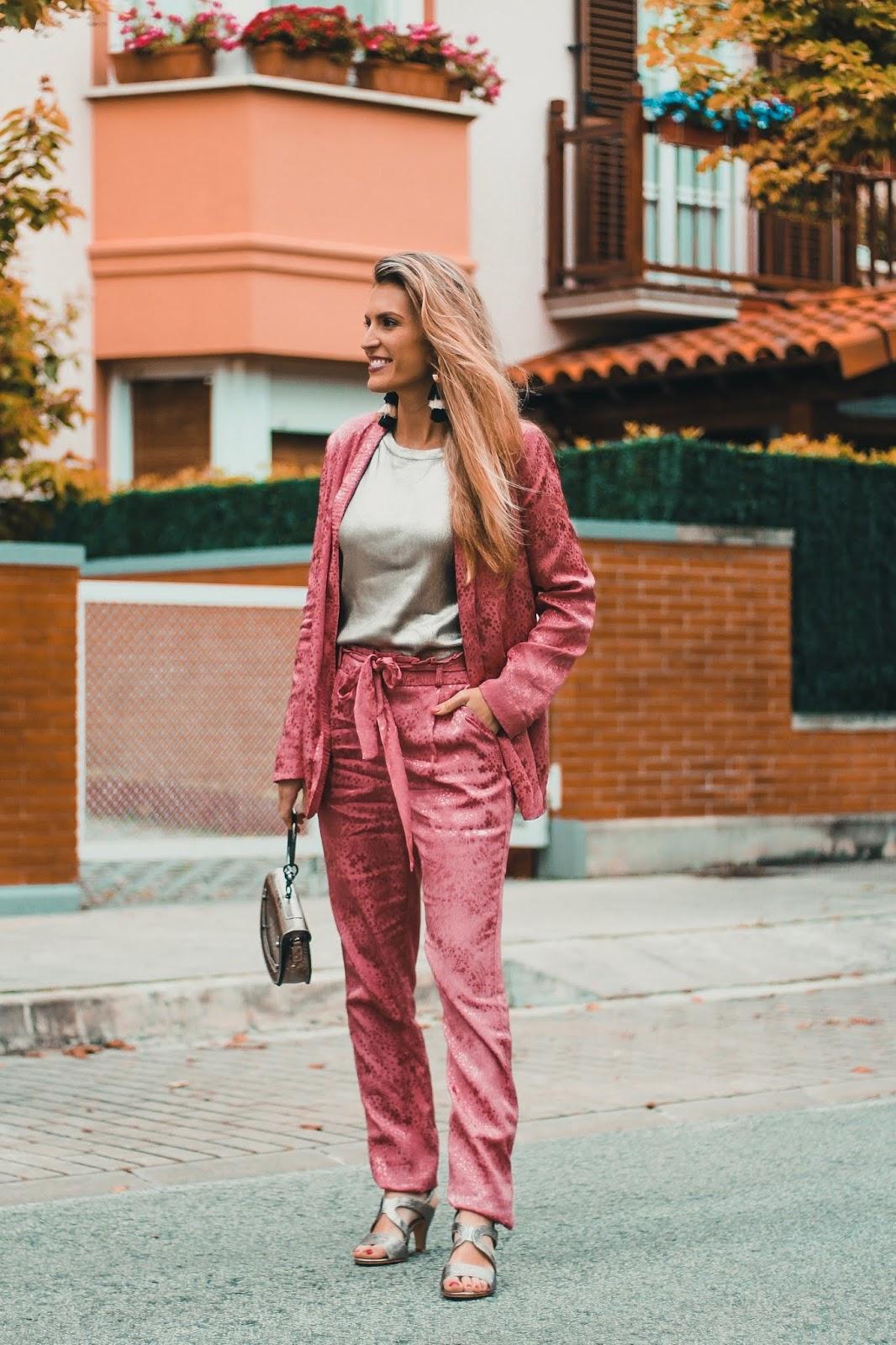 trajes de mujer holgados