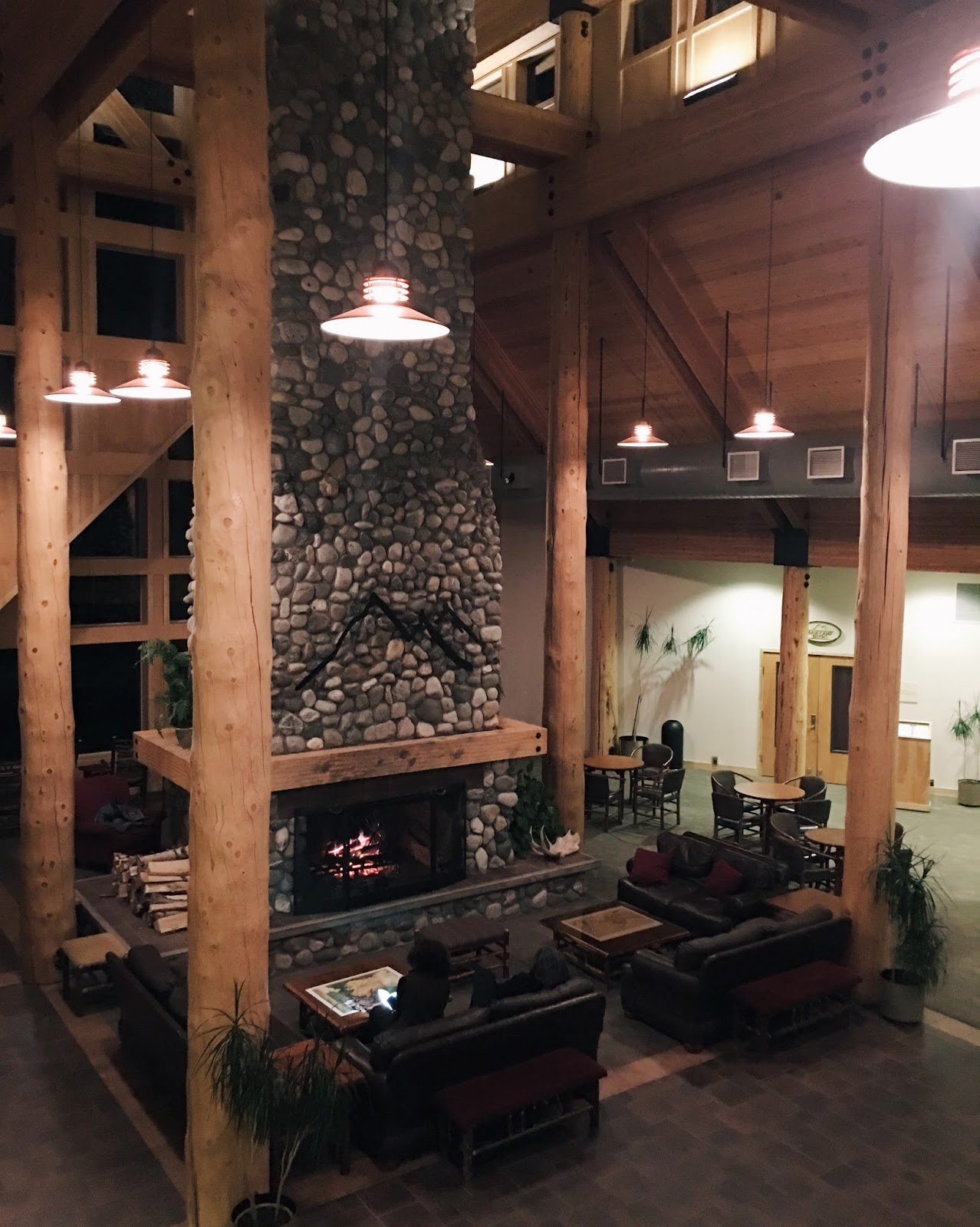 alaska lodging stone fireplace