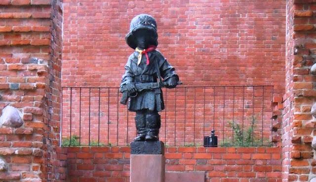 Monumento al pequeño insurgente