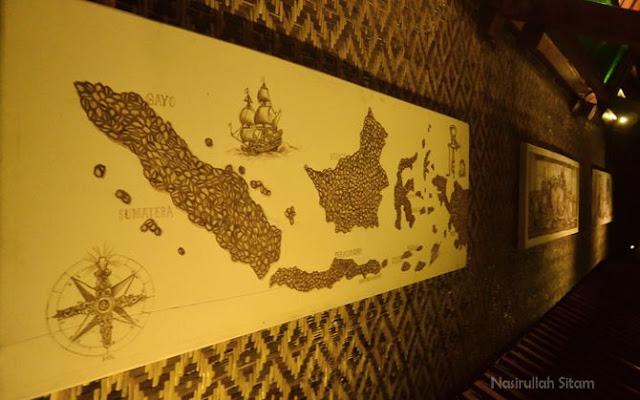 Lukisan peta Indonesia