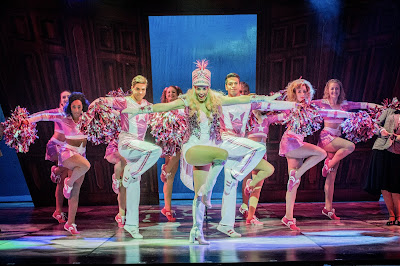 Theatre Review: Legally Blonde The Musical (UK Tour) - New Wimbledon Theatre ✭✭✭✭