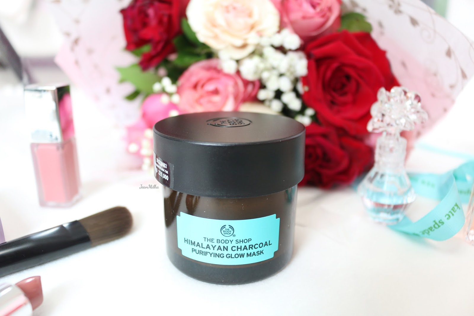 the body shop, body shop, superfood mask, the body shop mask, the body shop superfood mask, the body shop skincare, skincare, mask, masker, masker superfood, masker wajah, face mask, new face mask, review, product review, himalayan charcoal, himalayan charcoal purifying glow mask