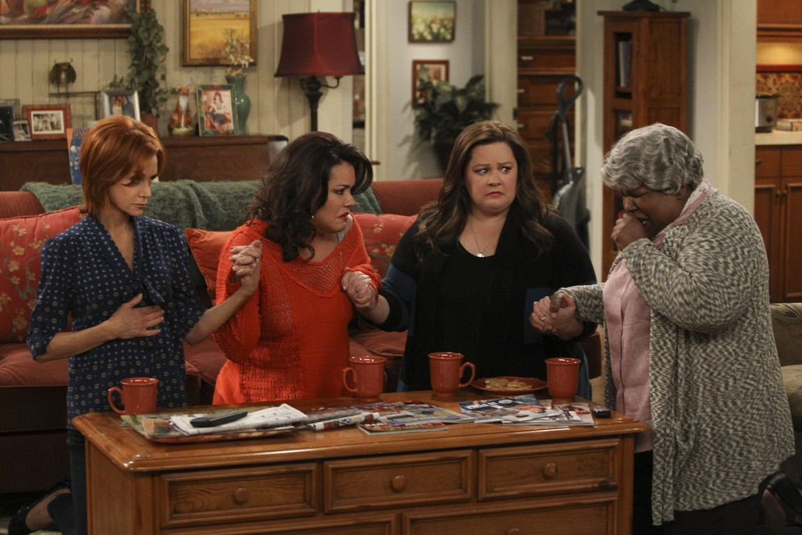 Mike & Molly - Season 4 Episode 17: McMillan and Mom