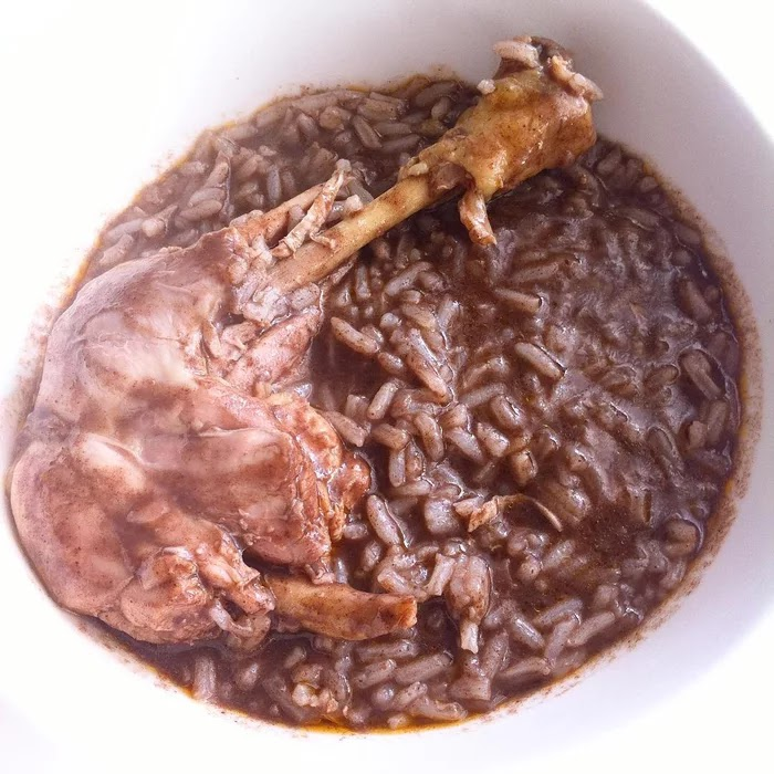 21 Extraordinary Pictures Of National Foods That Seem Uncanny To The Rest Of The World - Arroz de cabidela, Portugal