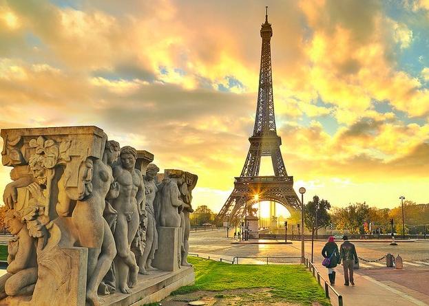 Tempat Kencan Paling Romantis Di Paris Untuk Pasangan Baru Menikah