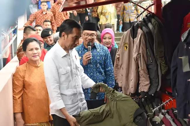 Presiden Jokowi Cihampelas Bandung bersama Ridwan Kamil