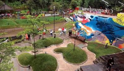 Tempat Wisata Taman Teras Cikapundung BBWS Bandung di Malam Hari