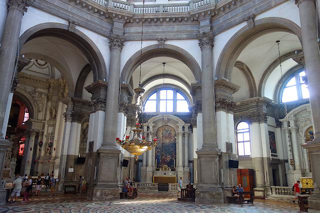 Objevte nepřístupnou zákristii baziliky Santa Maria della Salute, Benátky, Festa della Salute