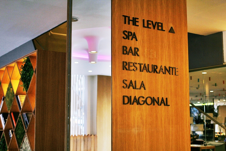 the level bar restaurant sala diagonal melia barcelona