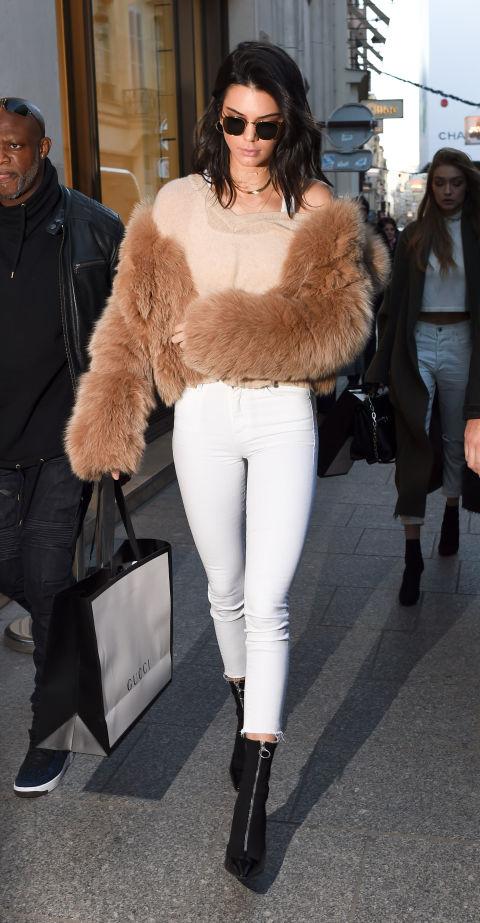 10 Formas de Llevar el Pantalón Blanco - Kendall Jenner Paris White Pants