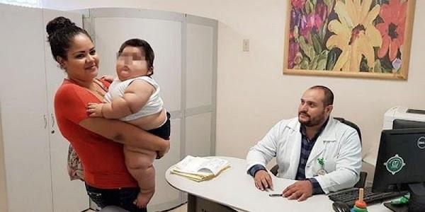 Por fin el IMSS acepta atender al bebé de 10 meses que pesa 28 kilos.
