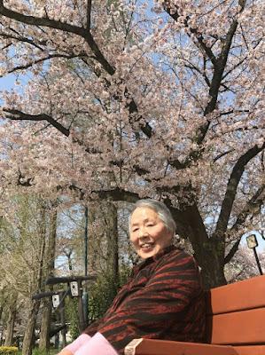桜満開!足も軽い?!