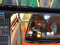 Video Menyeramkan, Saat Pria Tahu Ada Pocong dalam Mobilnya