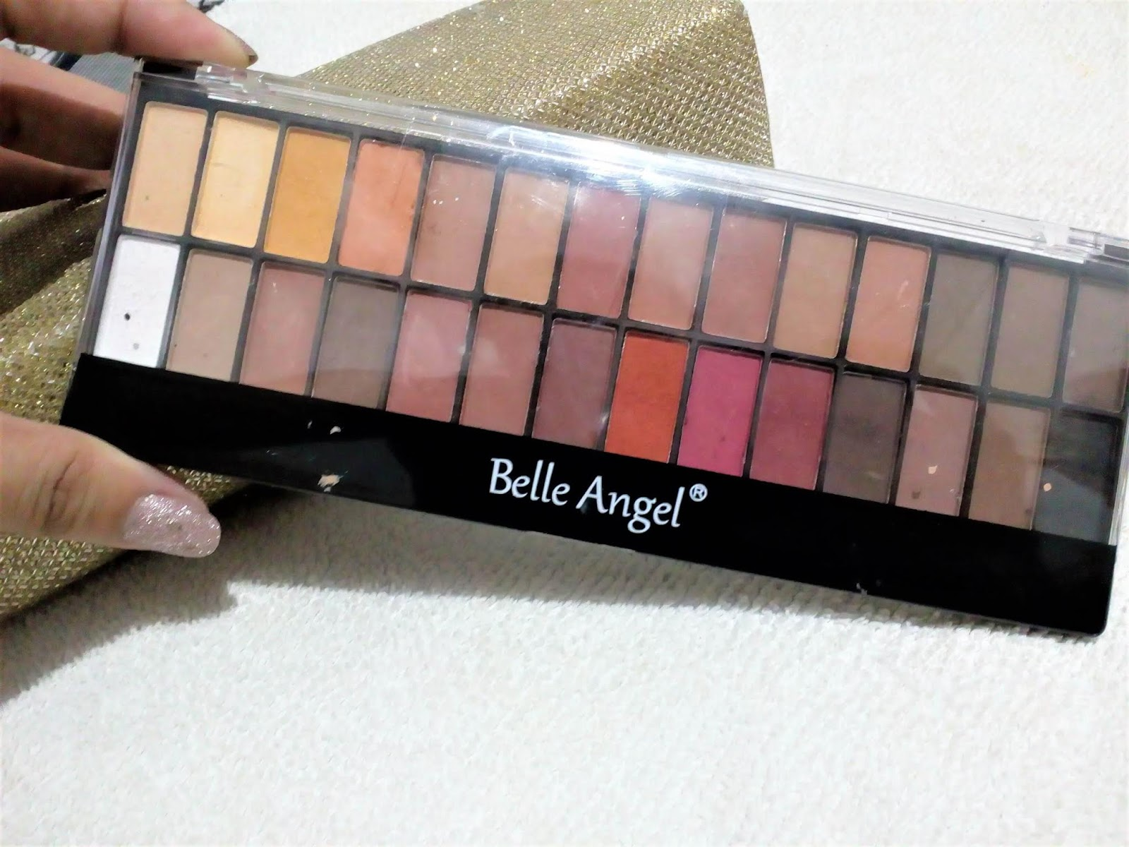 Resenha: Paleta de 28 cores, Belle Angel
