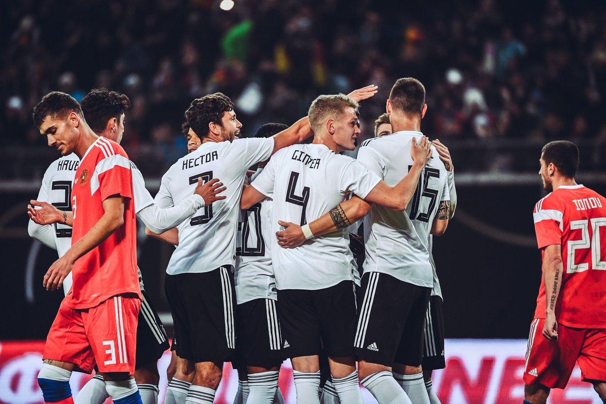 1c830bdc2e Confira mais fotos do duelo  Ataque resolve no 1º tempo e Alemanha vence  fácil a Rússia em jogo ...