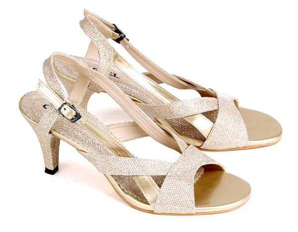 Model sepatu sandal high heels terbaru online