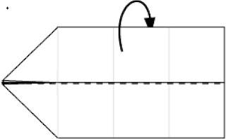 Bước 7: Gấp tờ giấy về phía mặt sau