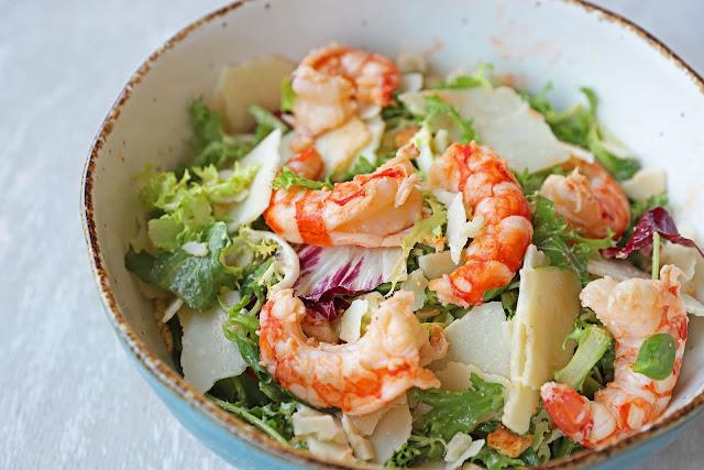Συνταγή για Σαλάτα του Καίσαρα με Γαρίδες
