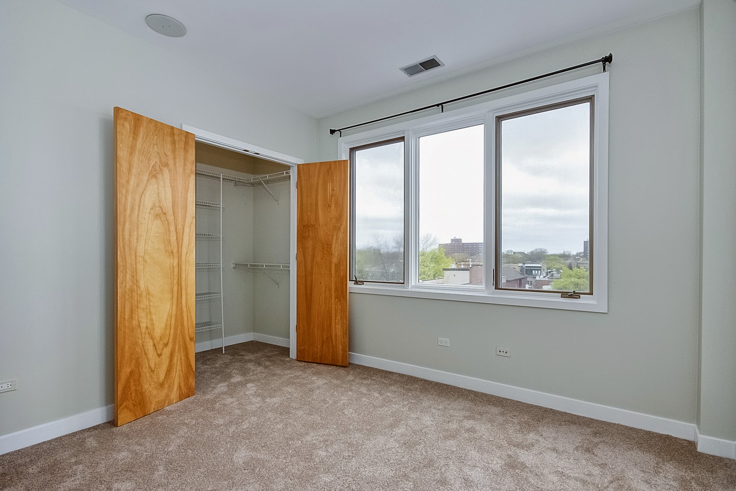 The Chicago Real Estate Local: New for sale! Tour a ...