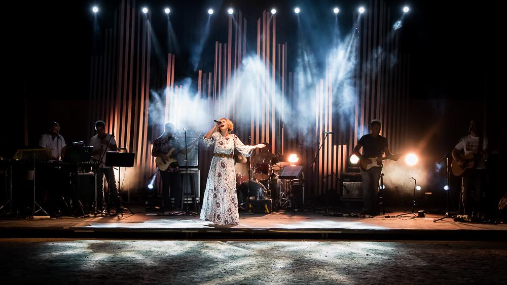Κατέπληξε η Ελεωνόρα Ζουγανέλη στο Αρχαίο Θέατρο Δίου (ΦΩΤΟ)