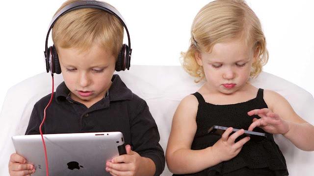 الأجهزة اللوحية و الهواتف الذكية ترفع خطر الإصابة بقصر النظر عند الأطفال.. ما الحل؟