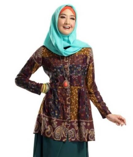 Model Baju Batik Kerja Atasan Muslim: 10 Model Atasan Batik Wanita Muslimah 2020