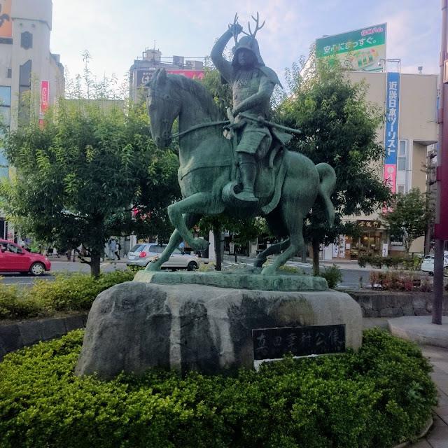 上田駅 真田幸村像