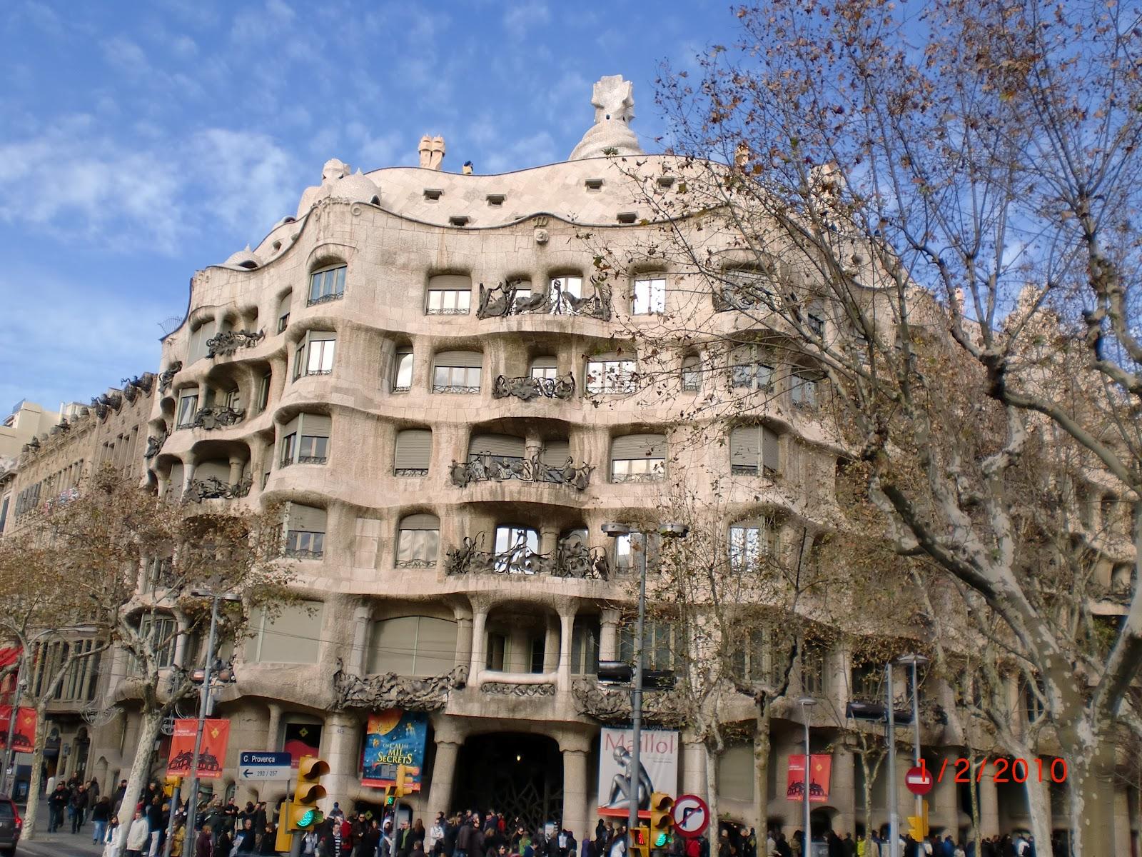 Novel Adventurers: Off The Beaten Track: Barcelona, Mi Amor