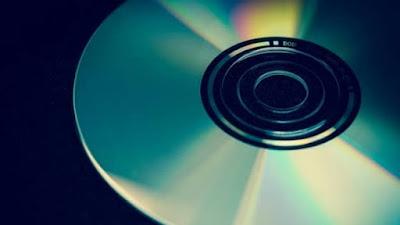 Cara Memperbaiki CD/DVD Rusak Tergores, Membersihkan CD dengan Pasta Gigi, Tips Memperbaiki CD Rusak