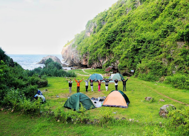 camping di pantai wohkudu jogja