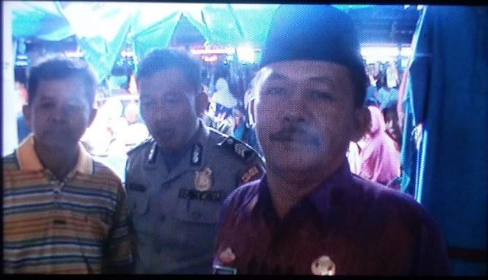 Kepalo tiyuh pulung kencana serta anggota polsek tuba tengah patroli di pasar tiyuh pukung kencana.
